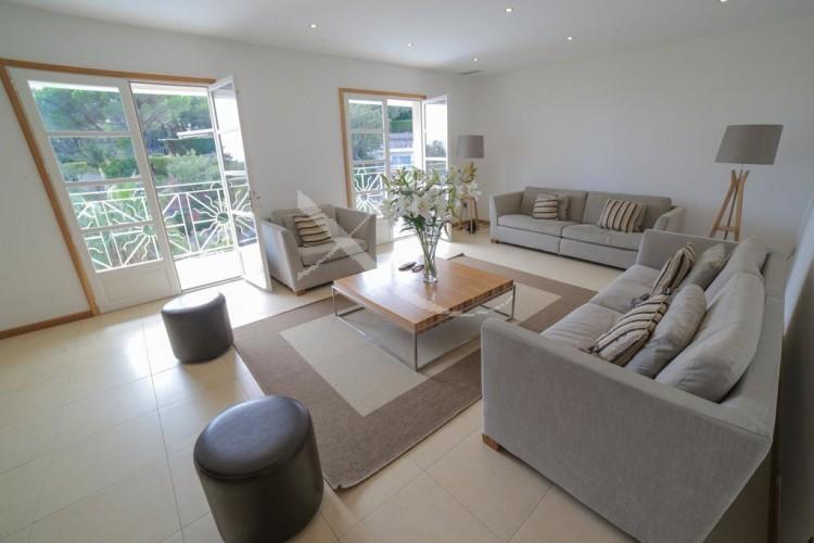 Property for Sale in Villa in Les Issambres, Var, Provence-Alpes-Côte d'Azur, France