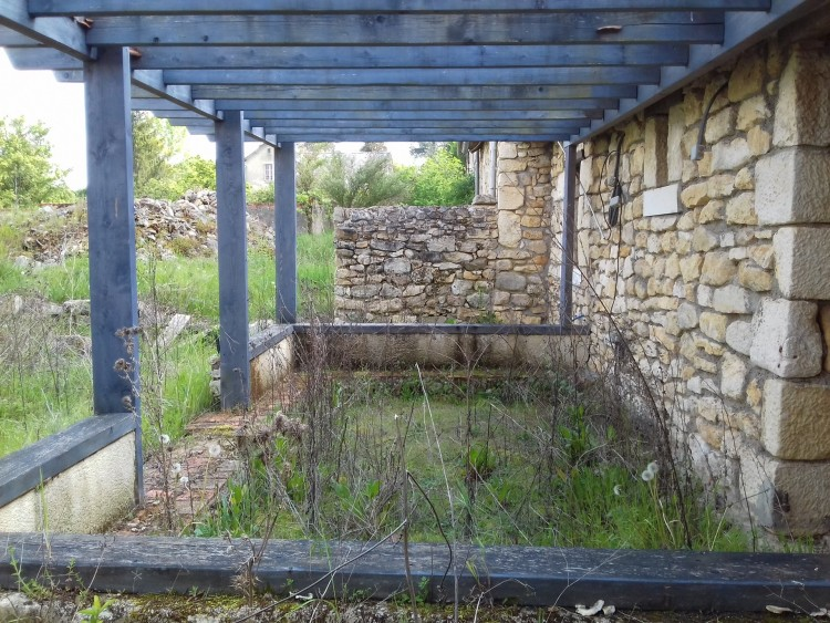 Property for Sale in Character property, courtyard setting with income potential!, Vienne, Near Montmorillon, Vienne, Nouvelle Aquitaine, France