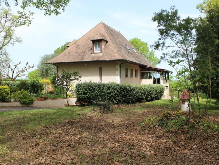 Property for Sale in House Castillonnes Ref :7807-Vi, Lot-et-Garonne, Castillonnes, Nouvelle-Aquitaine, France