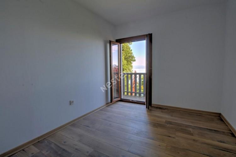 Property for Sale in House, Haute Savoie, Maxilly Sur Leman, Auvergne-Rhône-Alpes, France