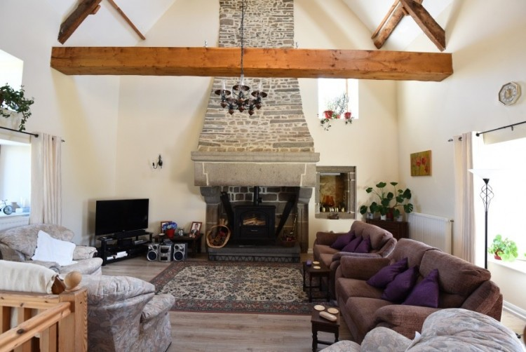 Property for Sale in Substantial detached family house with 1.5 acre garden in Normandy, Calvados, Calvados, Normandy, Saint-Sever-Calvados, Normandy, France