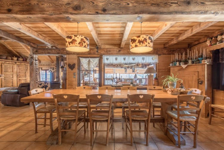 Property for Sale in Chalet in La Giettaz, Savoie, Auvergne-Rhône-Alpes, France