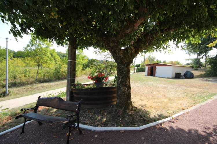 Property for Sale in Peaceful location with lovely countryside views, close to all amenities., Lot-et-Garonne, Near Miramont-de-Guyenne, Lot-et-Garonne, Nouvelle-Aquitaine, France