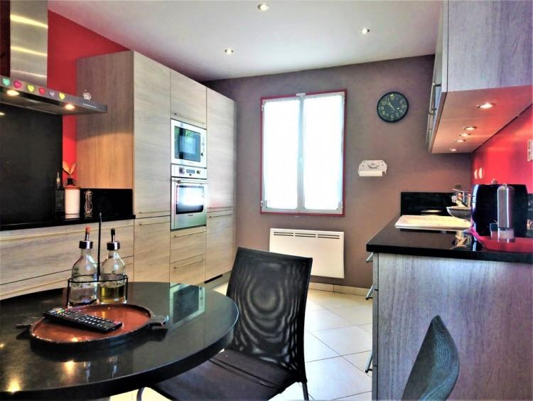Property for Sale in House in Montferrat, Var, Provence-Alpes-Côte d'Azur, France
