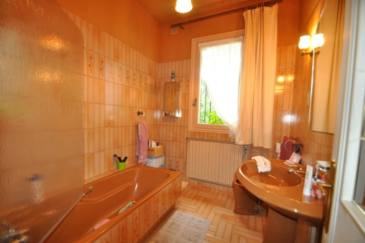 Property for Sale in Beautiful character  5 bedroom town house with sous-sol and mature gardens, Haute-Vienne, Near Oradour-sur-Vayres, Haute-Vienne, Nouvelle-Aquitaine, France