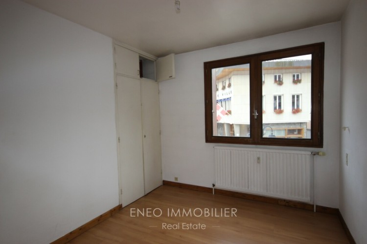 Property for Sale in 4-room apartment in the centre of Bourg St Maurice, Savoie, Bourg-Saint-Maurice, Auvergne-Rhône-Alpes, France