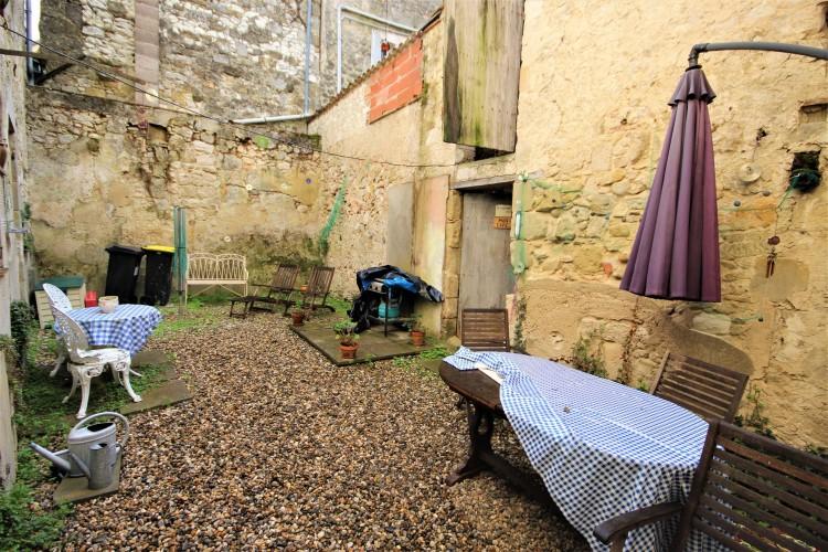 Property for Sale in An attractive village house, Lot-et-Garonne, Near Lauzun, Lot-et-Garonne, Nouvelle-Aquitaine, France