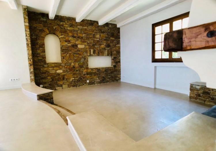 Property for Sale in Villa in Le Lavandou, Var, Provence-Alpes-Côte d'Azur, France