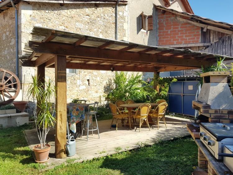 Property for Sale in Large stone village house with garden, Lot-et-Garonne, Near Astaffort, Lot-et-Garonne, Nouvelle-Aquitaine, France