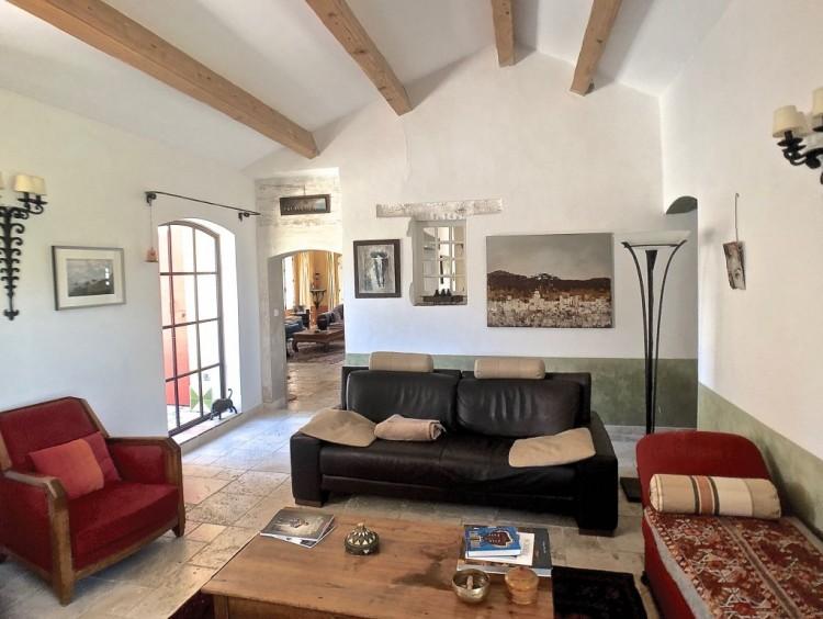 Property for Sale in Property in Entrecasteaux, Var, Provence-Alpes-Côte d'Azur, France