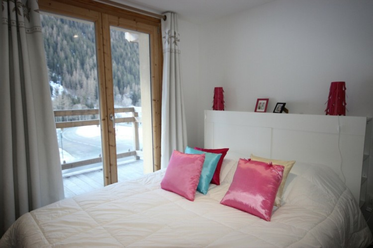Property for Sale in Lovely 5-room duplex apartment, Savoie, Peisey-Nancroix, Auvergne-Rhône-Alpes, France