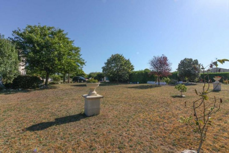 Property for Sale in Contemporary Charentaise with pool and guest house on the edge of the village, Charente, Nouvelle-Aquitaine, France