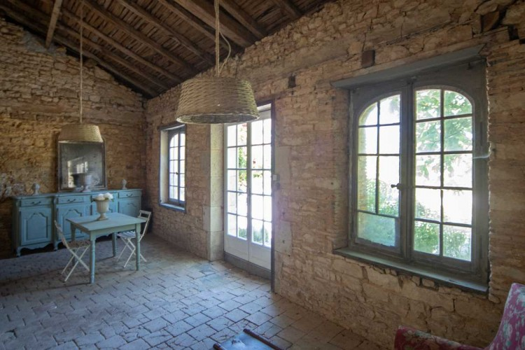 Property for Sale in VIRTUAL VIEWING AVAILABLE - Beautifully presented Maison de Maître with barns and landscaped gardens, Charente, Nouvelle-Aquitaine, France