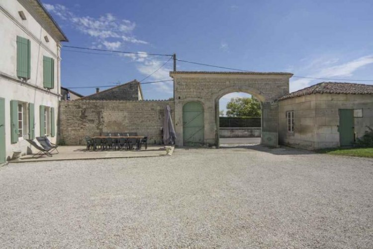 Property for Sale in Impressive Charentaise home with swimming pool, barns and land, Charente, Nouvelle-Aquitaine, France
