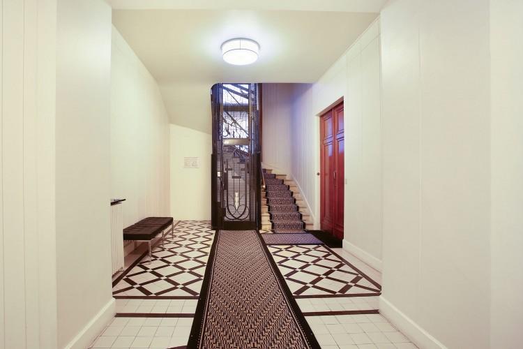 Property for Sale in Beautiful 3 bedroom apartment LAMARTINE, Paris, Square Lamartine - Henri Martin, Île-de-France, France