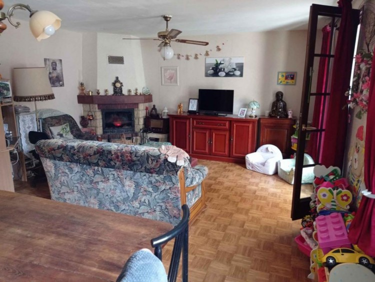 Property for Sale in House, Lot, Luzech, Occitanie, France