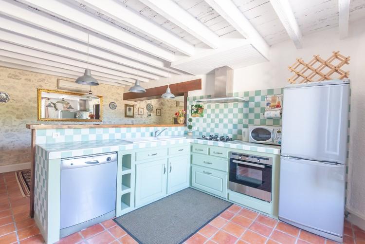 Property for Sale in Property GALAPIAN 10 rooms, Lot-et-Garonne, Maison familiale avec gîte, Nouvelle-Aquitaine, France