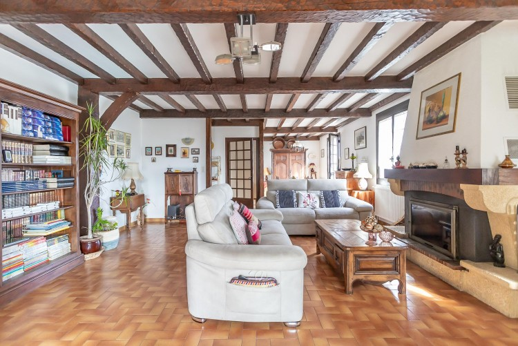 Property for Sale in Property FUMEL 11 rooms, Lot-et-Garonne, Beautiful hillside house with 11 rooms, with view over the city, Nouvelle-Aquitaine, France