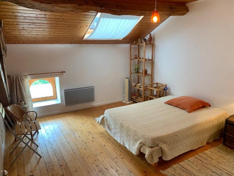 Property for Sale in Tastefully renovated 6 Bedroom stone village house with pool., Dordogne, Near Saint-Privat-des-Prés,, Nouvelle-Aquitaine, France