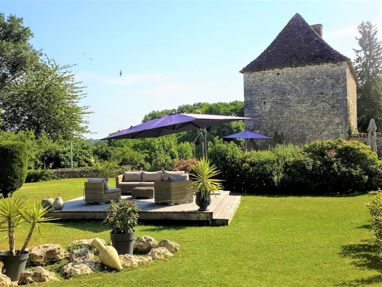 Property for Sale in Luxurious family home located in a pretty hamlet and just 2 minutes from a popular tourist town, Dordogne, Near Monpazier,, Nouvelle-Aquitaine, France