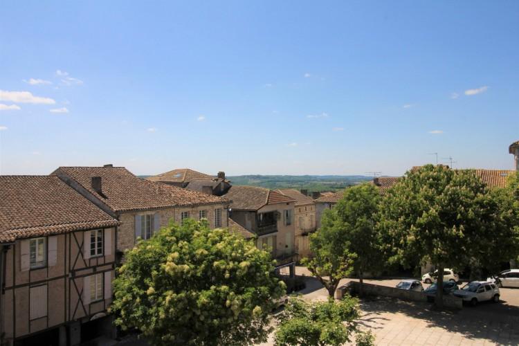 Property for Sale in Lovely building in the heart of a Bastide, Lot-et-Garonne, Near Monflanquin, Lot-et-Garonne, Nouvelle-Aquitaine, France