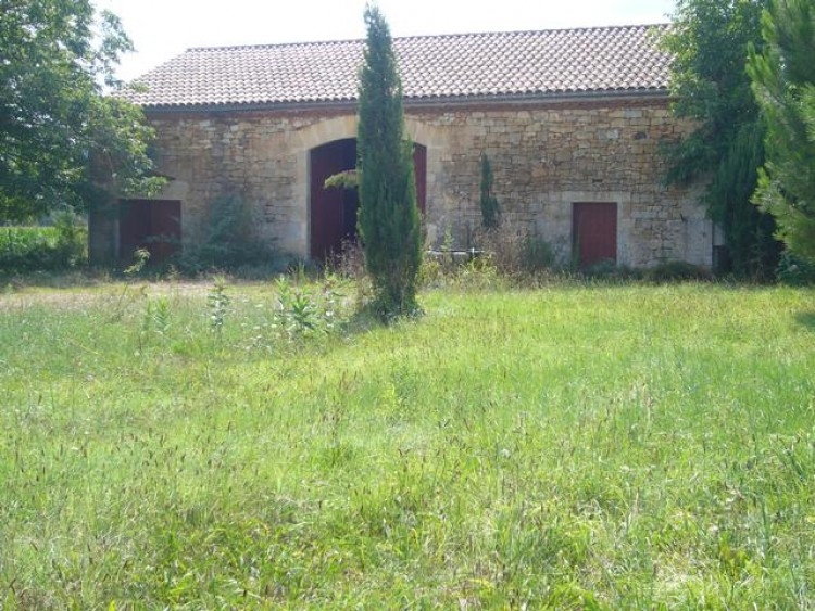 Property for Sale in A beautiful stone built barn with new roof for sale only 500m outside the village and over 160m² of space to make this a superb habitable dwelling., Lot, Perigord, Occitanie, France