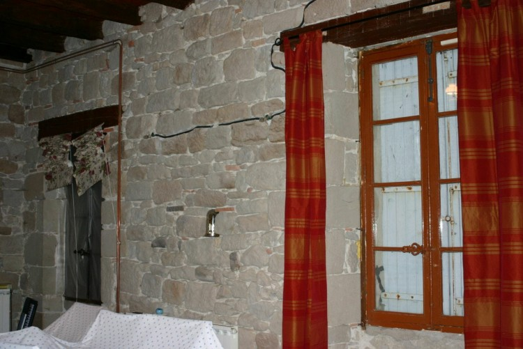 Property for Sale in An Old Dominant Stone Property With 4 Bedrooms, Central Heating, Courtyard And Garage, Lot-et-Garonne, Monflanquin, Nouvelle-Aquitaine, France