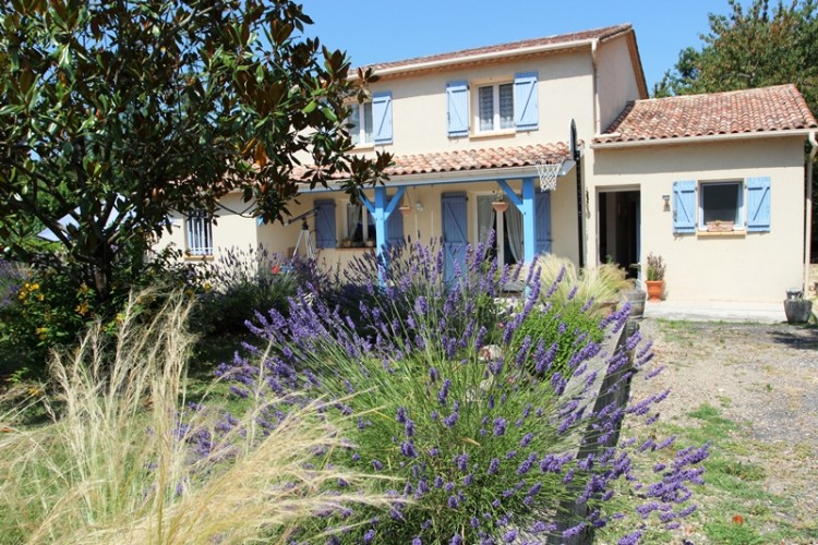 Property for Sale in A Recently Built Property on the Edge of a Village with basic amenities within walking distance and 5 minutes from the Market Town Of Castillonnes, Lot-et-Garonne, Castillonnes, Nouvelle-Aquitaine, France
