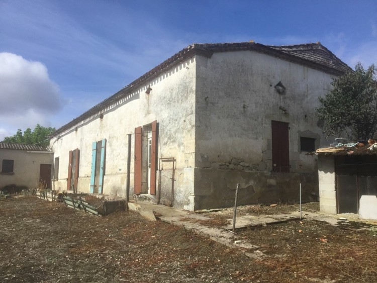 Property for Sale in A Stone Built Farmhouse in need of some Refurbishment with numerous outbuildings and good views over the Countryside close to Miramont De Guyenne Market…, Lot-et-Garonne, Escassefort, Nouvelle-Aquitaine, France