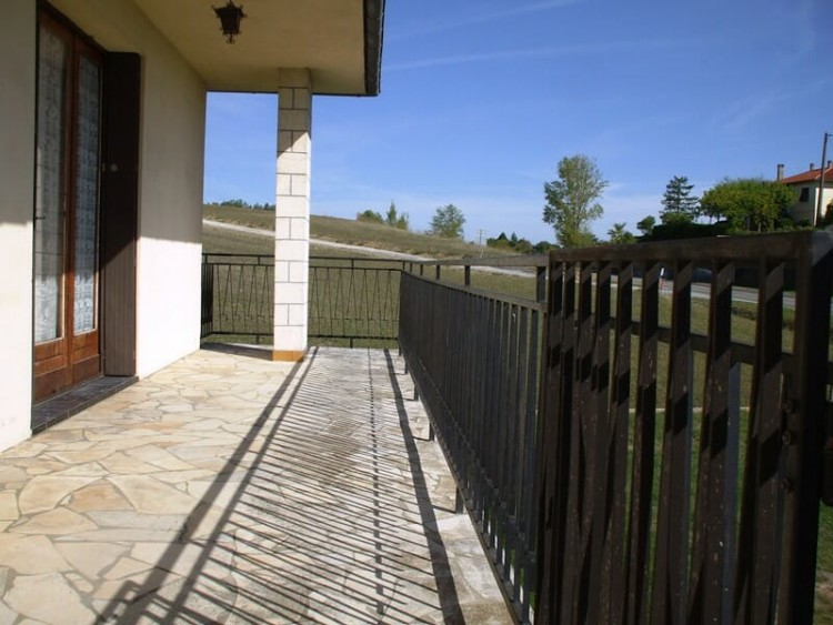 Property for Sale in A Traditional Built Property For Sale on the edge of Eymet Bastide Town and close to Miramont Market Bastide Town and 30 Minutes From Bergerac Airport, Lot-et-Garonne, Miramont, Nouvelle-Aquitaine, France