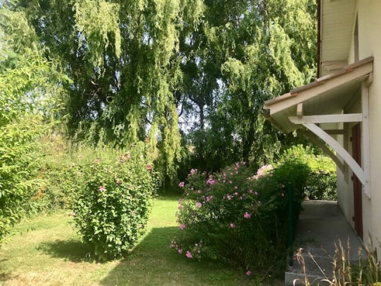 Property for Sale in A Single Storey Property On The Edge Of A Pretty French Village 5 Minutes From A Bastide Market Town, Lot-et-Garonne, Castillonnes, Nouvelle-Aquitaine, France