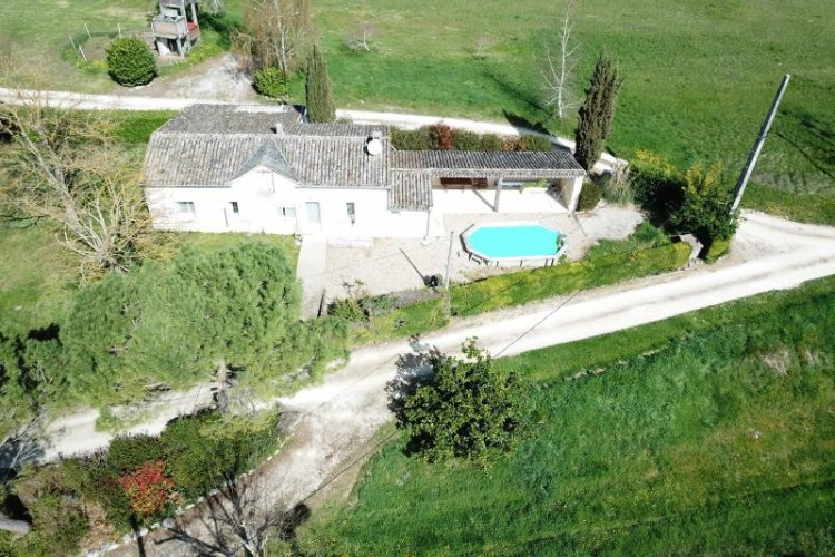 Property for Sale in An idylic position for this stone built maison de maitre within a countryside estate with guest house and 4 separate apartments all with stunning views…, Gironde, Bergerac, Nouvelle-Aquitaine, France