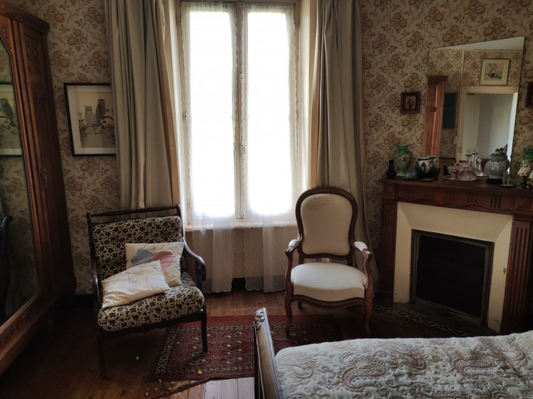 Property for Sale in Family house in the heart of the village, Haute-Vienne, Near Oradour-sur-Vayres, Haute-Vienne, Nouvelle-Aquitaine, France