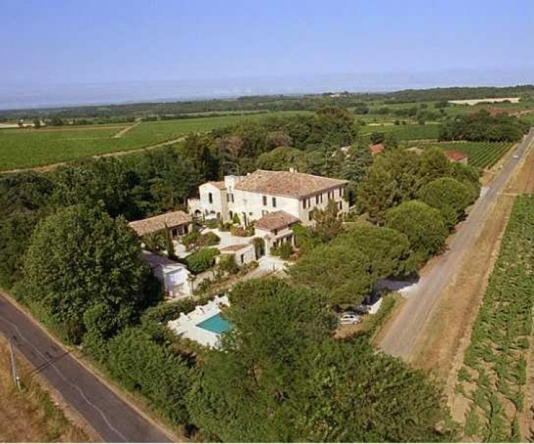 Property for Sale in *Quirky accommodation built on, Hérault, Alignan Du Vent, Occitanie, France