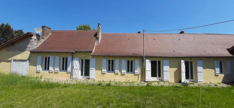 Property for Sale in 4 Bed period Perigourdine house with outbuildings close to Bergerac, Dordogne, Near Saint-Laurent-des-Vignes, Dordogne, Nouvelle-Aquitaine, France