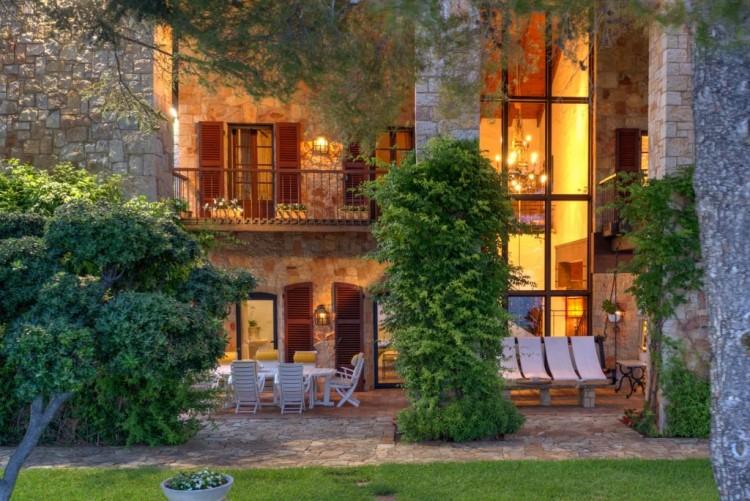 Property for Sale in Villa in Anthéor, Var, Provence-Alpes-Côte d'Azur, France