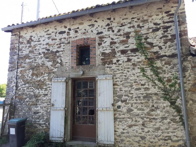 Property for Sale in Village house with large outbuildings, large pond, 4000m of garden!, Haute-Vienne, Near Bussière-Poitevine, Haute-Vienne, Nouvelle-Aquitaine, France