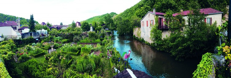 Property for Sale in Riverside location for this spacious renovated former mill house, on the outskirts of an attractive village, Lot, Occitanie, France