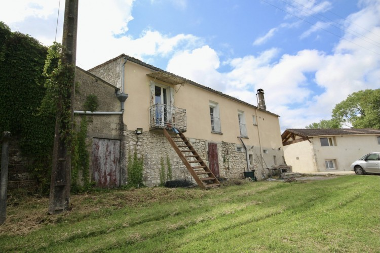 Property for Sale in 4 bedroom house with 2 gites with 2 bedrooms, Dordogne, Near Bergerac, Dordogne, Nouvelle-Aquitaine, France