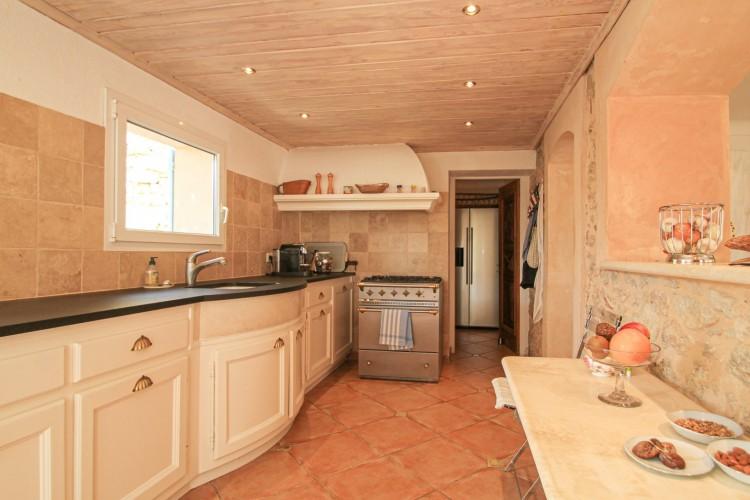 Property for Sale in Property in Callian, Var, Provence-Alpes-Côte d'Azur, France