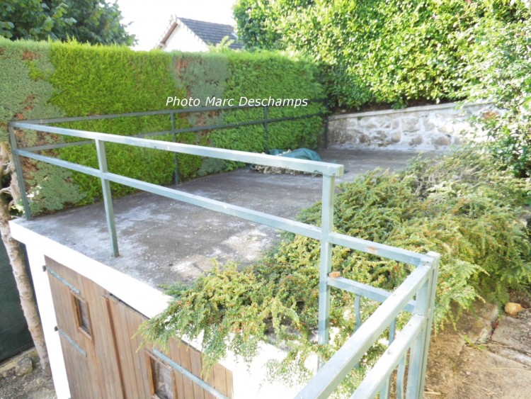 Property for Sale in Detached immaculate 1 bed town house on 925m² (~1/4acre) garden, Creuse, Bourganeuf, Nouvelle-Aquitaine, France