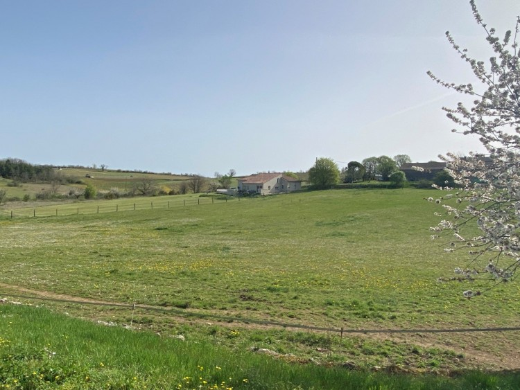 Property for Sale in Spacious contemporary house with swimming pool and excellent views, Lot, Occitanie, France