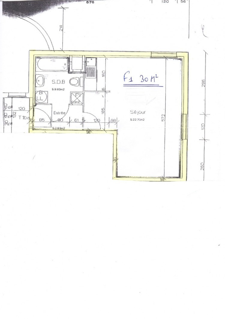 Property for Sale in Apartment crossing with unobstructed views, Oise, Senlis, Hauts-de-France, France