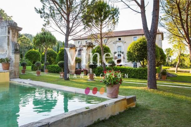 Property for Sale in Avignon, Provence-Alpes-Côte d'Azur, France