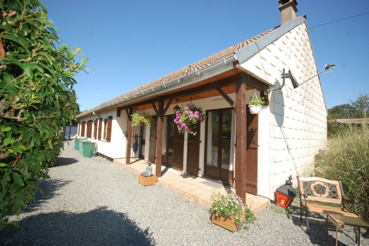 Property for Sale in Beautifully presented modern 5 bedroom bungalow with garden of, Creuse, Beast, Nouvelle-Aquitaine, France
