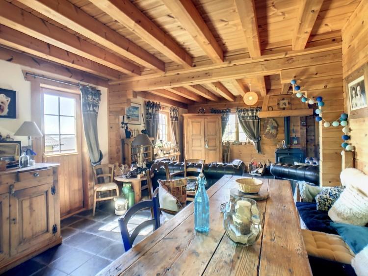 Property for Sale in Chalet in Ugine, Savoie, Auvergne-Rhône-Alpes, France