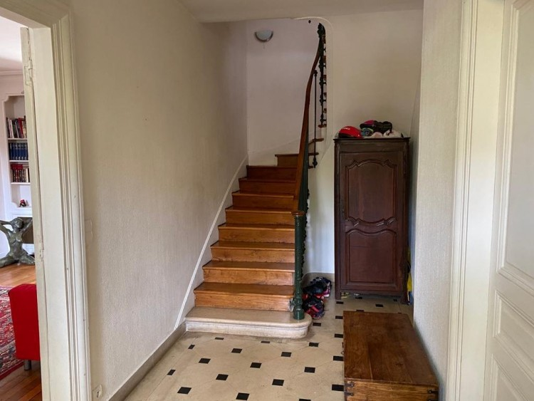 Property for Sale in Bourgeois house in Senlis, Oise, Hauts-de-France, France