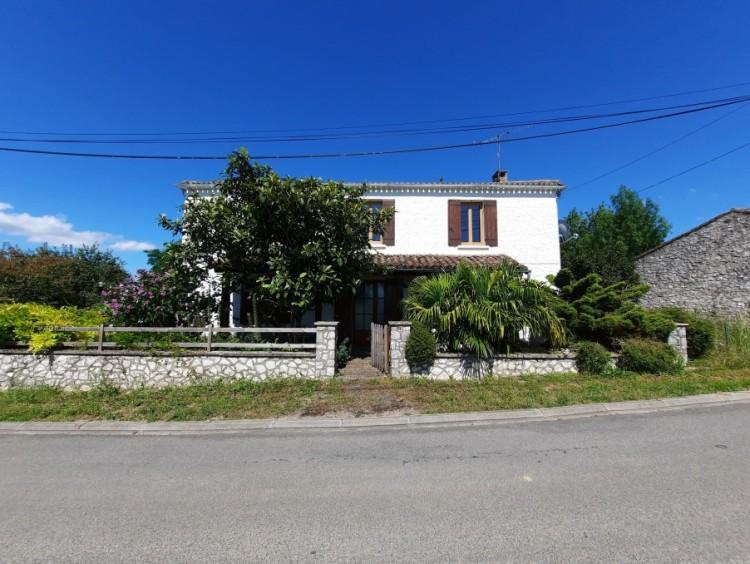 Property for Sale in House Loubes Bernac Ref :9709 - Ey, Lot-et-Garonne, Loubes bernac, Nouvelle-Aquitaine, France