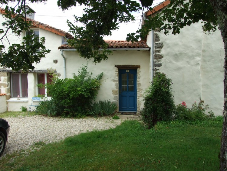 Property for Sale in Spacious 4 Bedroom House with large swimming pool, Charente, Near Saint-Claud, Charente, Nouvelle-Aquitaine, France