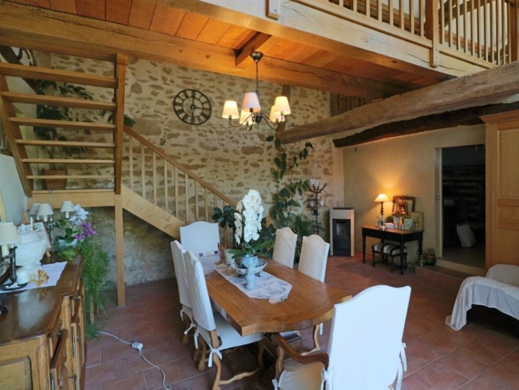 Property for Sale in Character house, 7 bedrooms, gîte, 1 hectare, Gers, Occitanie, France